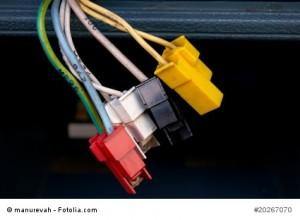 Autoradio-Kabel richtig anschließen